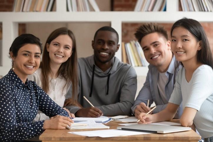 Cuáles son las mejores Universidades para estudiar una especialización en Colombia